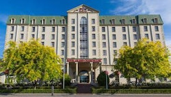 Launceston: 4.5-Star deluxe stay with