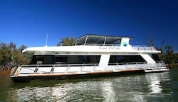 Murray River: 4-Night Spa Houseboat