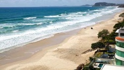 Mermaid Beach: Beachfront apartment stay