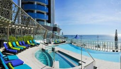 Surfers Paradise: 3 nights for